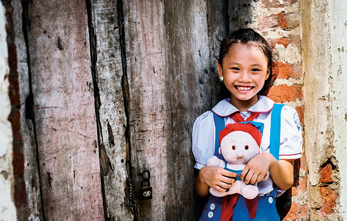 Every woman and girl should have the right to shape her own life, like 11-year-old Thi Tuong of Viet Nam. (Image: UNFPA State of World Population Report 2016)