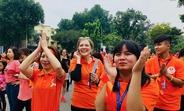 """Bà Astrid Bant, Trưởng Đại diện UNFPA tại Việt Nam trong Ngày hội """"Bước nhảy yêu thương"""""""